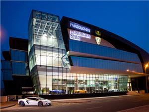 بزرگترین مرکز فروش لامبورگینی جهان در دوبی