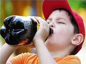 خطر نوشیدنیهای ورزشی برای کودکان