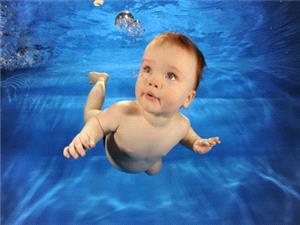بهترین سن آموزش شنا به کودکان!