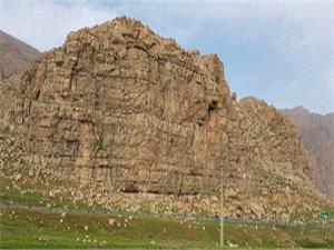 شناسایی 4 دوره پارینه سنگی در کنار آزادراه کرمانشاه-کردستان