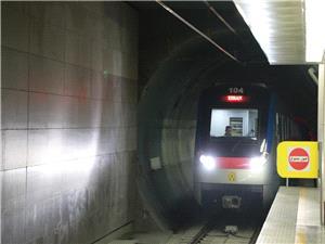 مدیر ارتباطات و امور بینالملل متروی تهران از مسافران بابت اختلال در حرکت قطارهای مترو عذرخواهی کرد