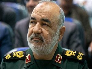 فرمانده کل سپاه: ملت ايران با هر رأي خود دشمن را موشک باران ميکنند