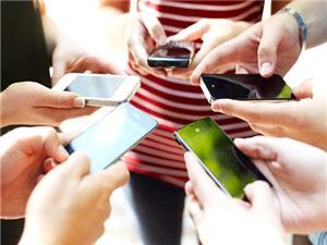 نوموفوبیا؛ وحشت دوری از موبایل