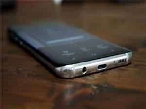سامسونگ گلکسی S9 به اسپیکرهای استریو تجهیز میشود + عکس