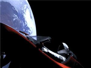 آخرین تصویر مانکن «استارمن» پیش از قطع ارتباط فالکون هوی با زمین