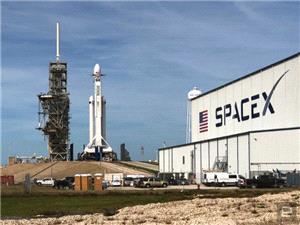 هدف بزرگ بعدی SpaceX پس از موفقیت موشک فالکون هوی چیست؟
