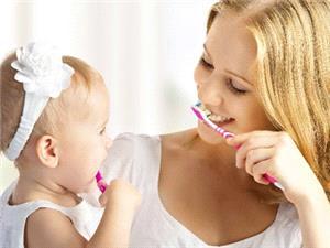 فلوئوروزیس دندانی چیست؟