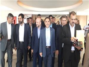 وزير راه و شهرسازي از طرح هاي عمراني پارس آباد بازديد کرد