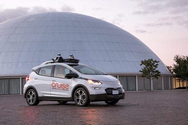 جنرال موتورز به دنبال تولید انبوه خودروهای خودران است