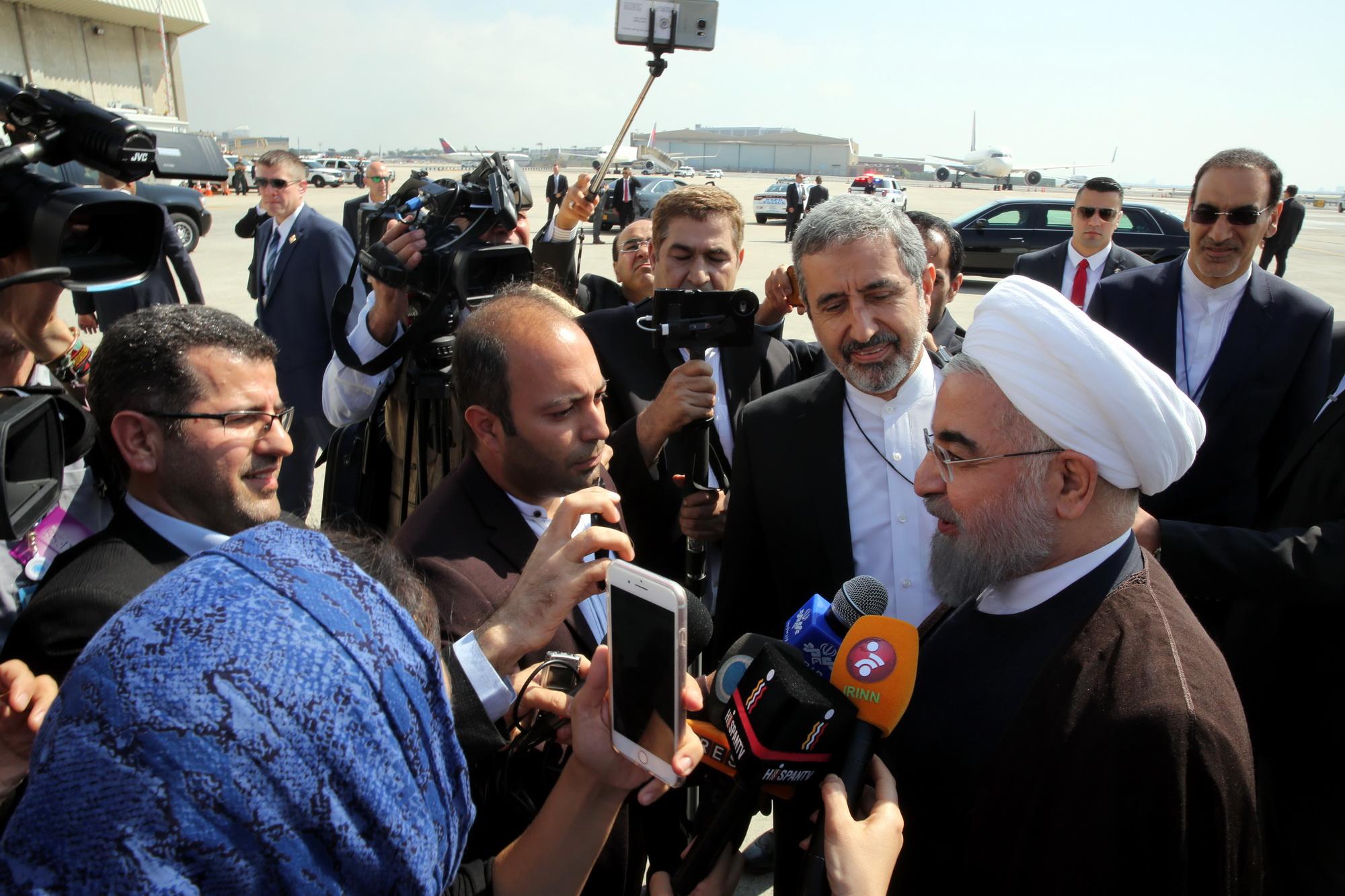 استراتژی ما تعامل گسترده با جهان است / یکی از اهداف این سفر رساندن صدای ملت بزرگ ایران به گوش جهانیان است / شاهد شرایط دشواری در ارتباط با مظلومان میانمار هستیم