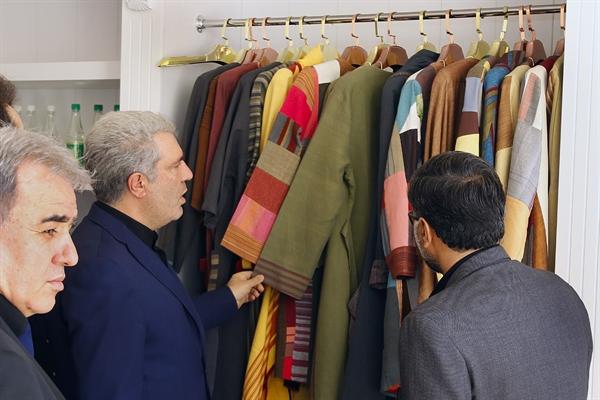 مونسان : مقام معظم رهبری بر استفاده از پوشاک وطنی تاکید دارند