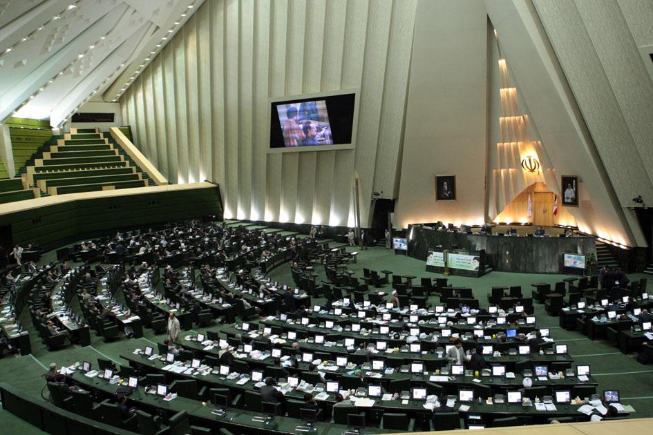 مجلس بکارگیری مجدد بازنشستگان را ممنوع کرد