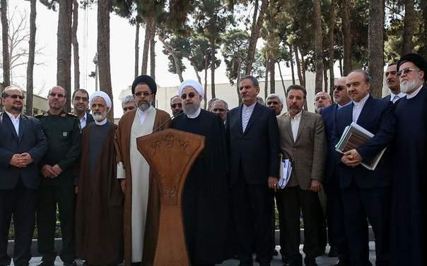 نمره شهروندان تهرانی به عملکرد دولت روحانی/ کدام وزارتخانه ها نمره خوب یا عالی گرفتند؟