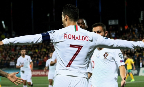 رونالدو فقط 16 گل تا دایی؛ لطفا بی خیال این رکورد شو!