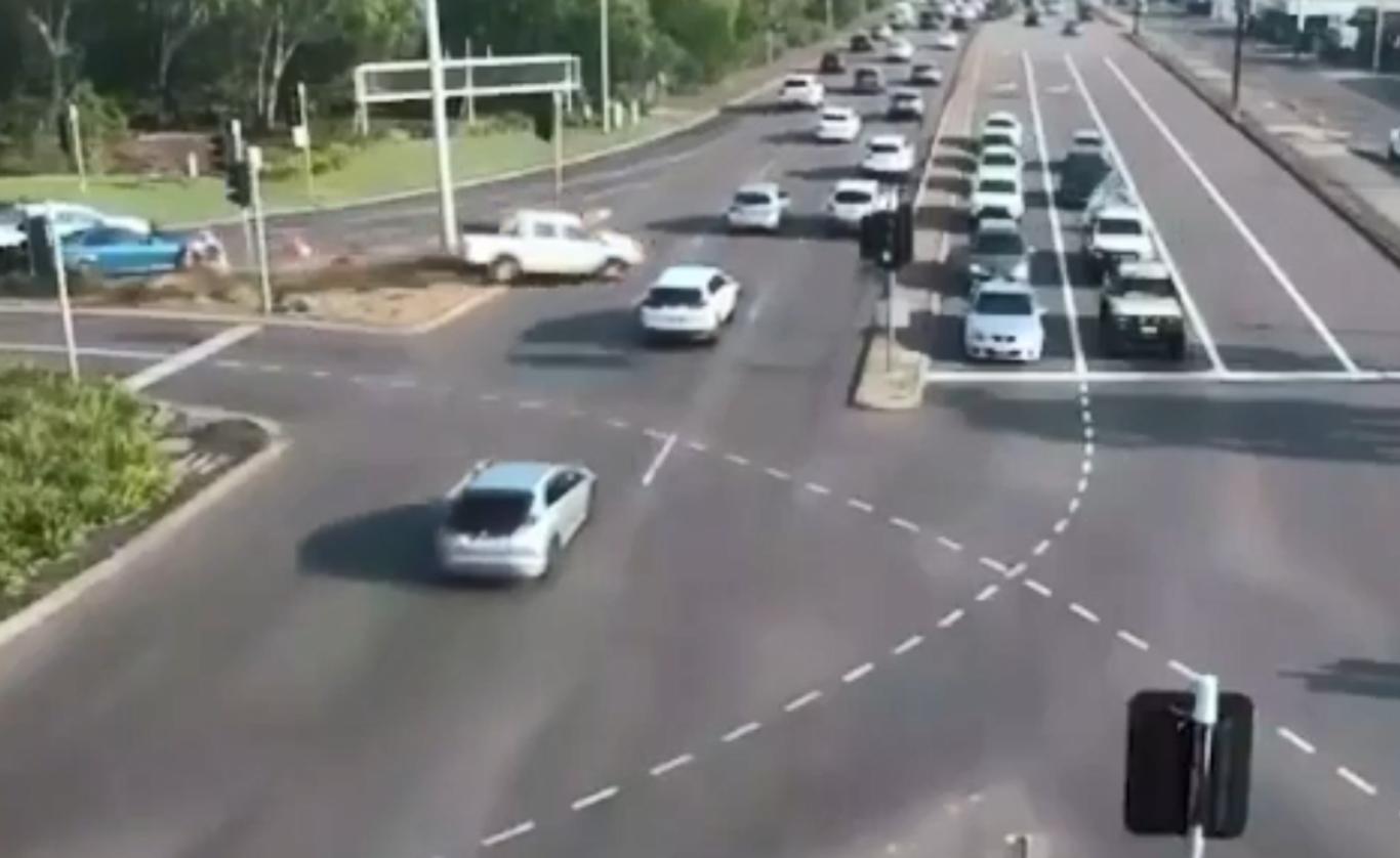 نجات معجزه آساي راننده استراليايي از مرگ