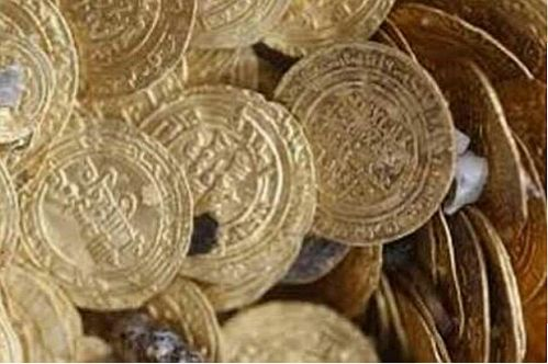 کشف 36 قطعه سکه تاريخي