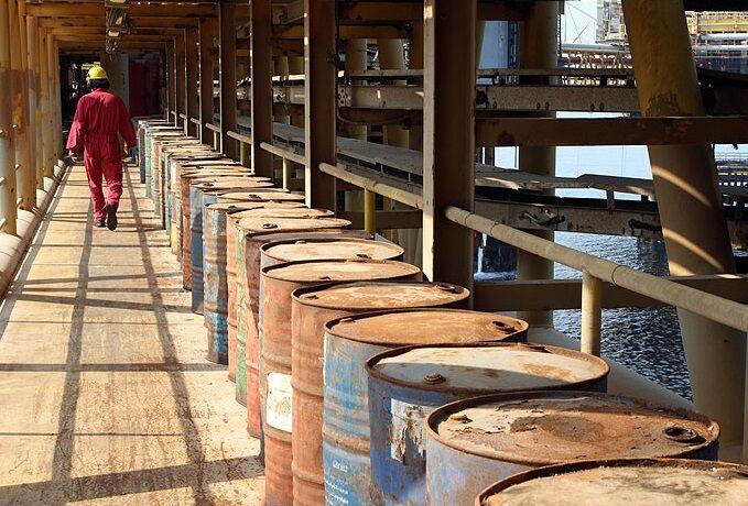 تاکید بر دگردیسی در ساختار عملکردی نفت فلات قاره